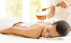 masajes con miel para quitar la celulitis